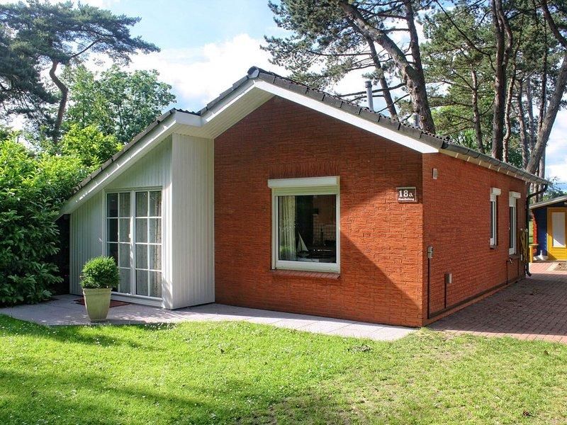 Das Familienhaus am  breiten Ostseestrand, sehr kinderfreundlich +Sauna, vacation rental in Lubeck