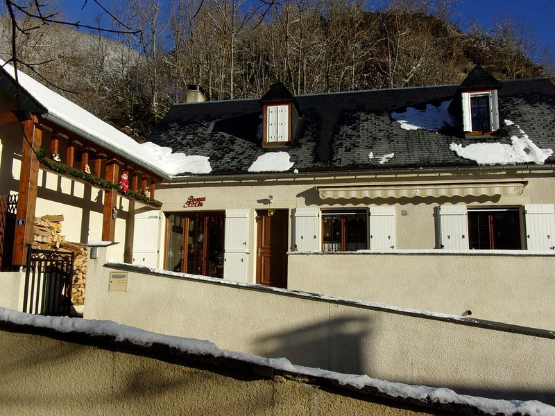 Maison Pyrénéenne dans la vallée d'Aure, 4*, 8pers, près de St-Lary-Soulan., holiday rental in Gouaux