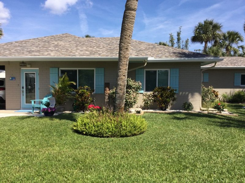 Beachhouse W/saltwater Pool  Walk 2 Blks to Ocean 4 Blks to Flagler Ave, holiday rental in New Smyrna Beach
