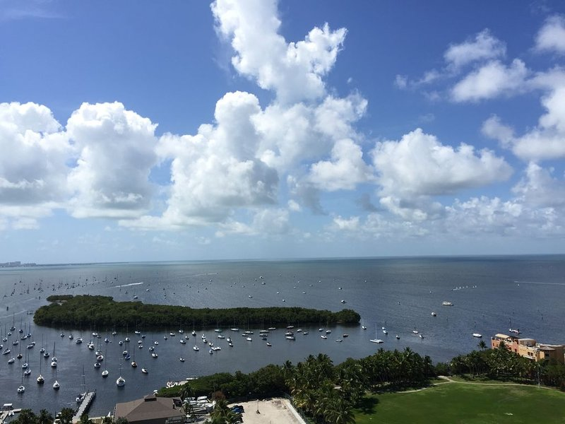 Balcony★Ocean View 24h Checkin★Free Parking, holiday rental in Coral Gables