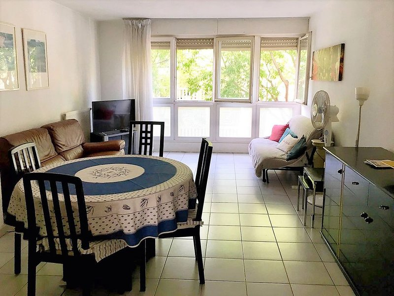 Grand Duplex T3 - Montpellier Antigone - Centre ville & Calme, holiday rental in Castelnau-le-Lez