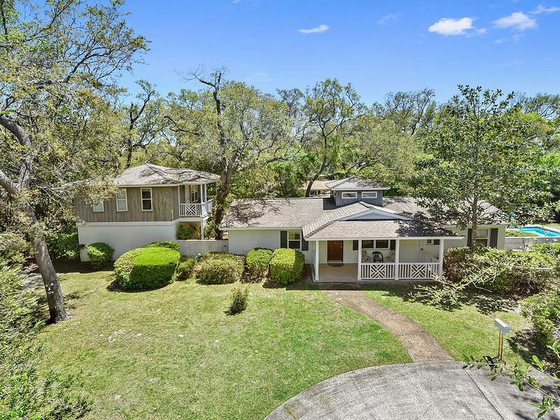 BEACH, LOVE, AND HAPPINESS 4 bedrooms, 3 bathrooms, vacation rental in Jekyll Island