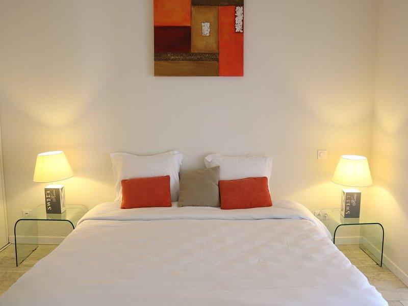 Bel appartement avec terrasse privée dans maison de village proche plages, alquiler de vacaciones en La Couarde-sur-Mer