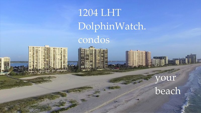 Water Views From Every Window--Right on the Beach!, vacation rental in Clearwater
