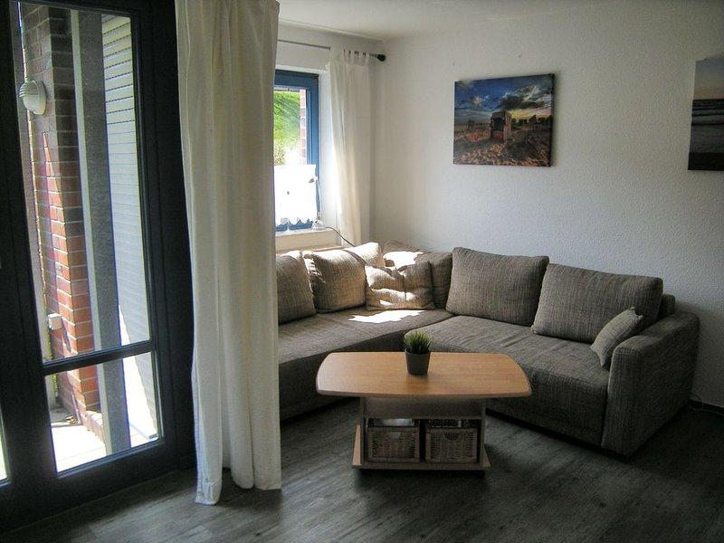 Moderne FEWO für 2 Personen direkt am Strand - Kostenloses WLAN, vacation rental in Minsen