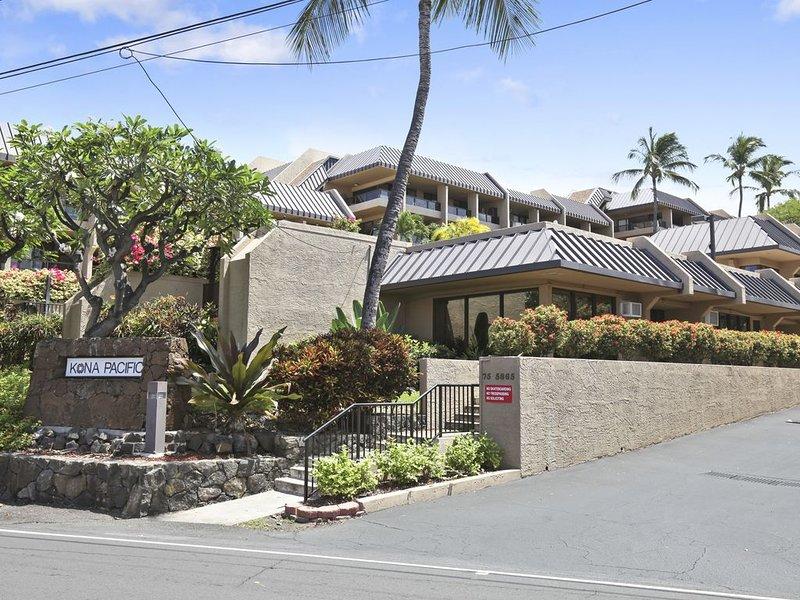The Kona Pacific Walua Road Entrance.