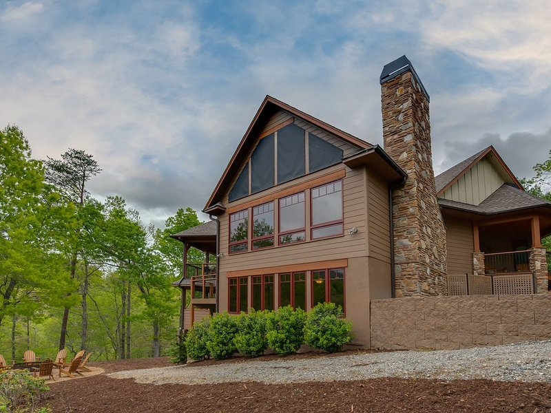Award Winning Resort Home, recently renovated. Close to Amenities – semesterbostad i Lake Lure
