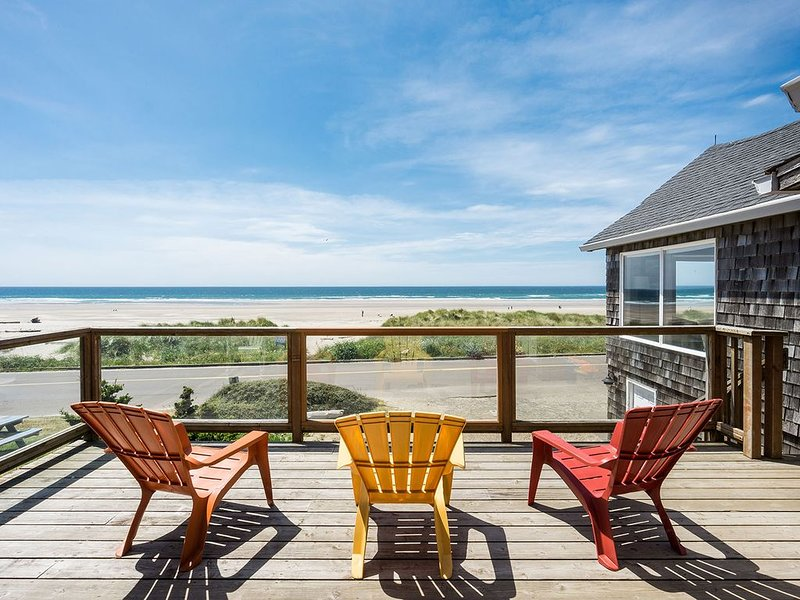 Center of Town, Soaking Tub, Dog welcome, Oceanfront, Spacious and Modern Home!, holiday rental in Manzanita