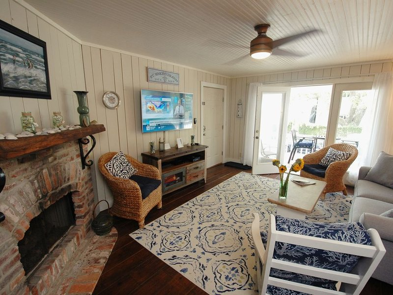 74 Steps to the Beach !!  Ocean View. Great Location, holiday rental in Saint Simons Island