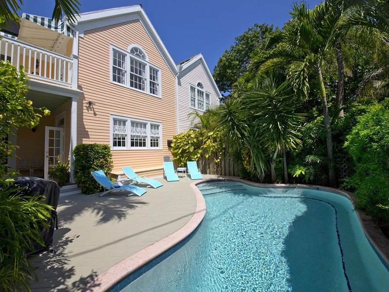 Secret Villa I * Old Town with Private Pool, close to Duval!, vacation rental in Key West