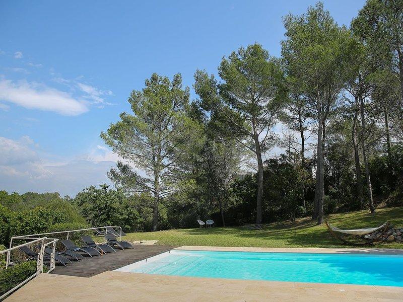 Piscine Soleil Cigales , au calme et sans vis à vis le paradis ça vous tente ?, location de vacances à Saint-Gervasy
