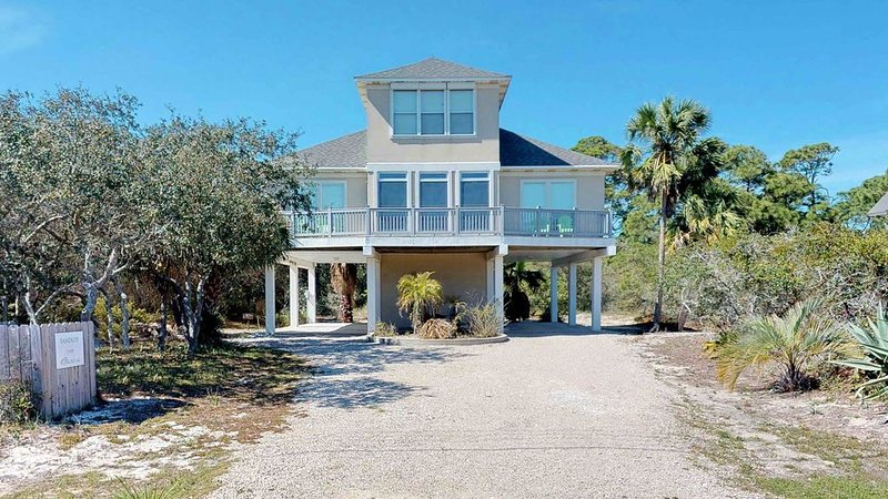 Free WiFi, 3 BR/3 BA, Sleeps 9 in West Gulf Beaches - 'Sandlot', location de vacances à St. George Island