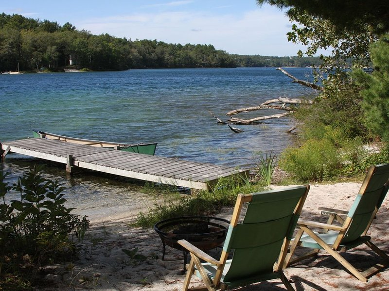 Cove Cottage On Beautiful Long Pond, vacation rental in Manomet