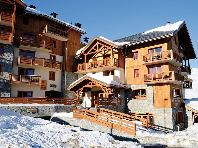 New apartment in cozy residence with swimming pool in La Toussuire, holiday rental in Le Corbier
