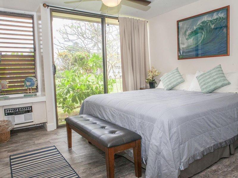 LEGAL SHORT TERM RENTAL  Secluded Getaway in Turtle Bay Resort.  Near beaches!, vacation rental in Kahuku