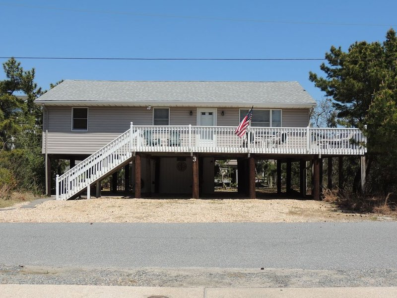 1/4 Block to Beach! Sweet Summer Cottage with Excellent Amenities!, alquiler de vacaciones en South Bethany