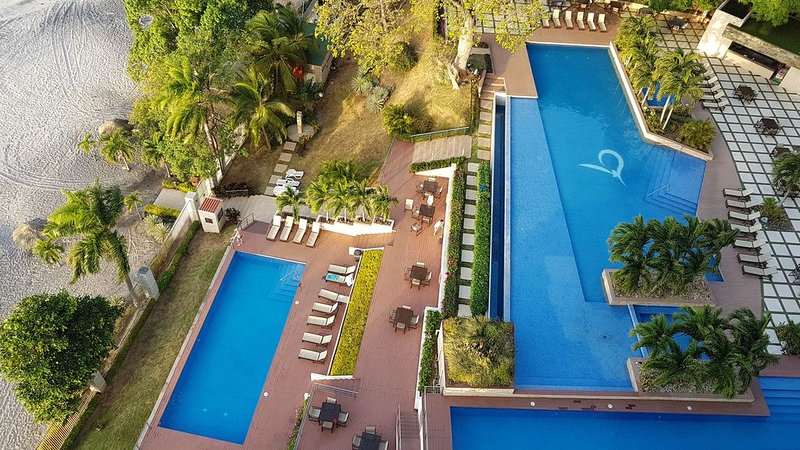 Luxury Resort Setting & Amenities At Amazing Prices Right On The Beach, holiday rental in Panama Province