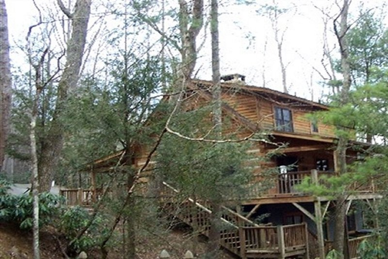 Cozy Cabin Getaway Located In The Heart Of Valle Crucis, holiday rental in Banner Elk