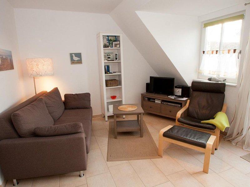 Neuzeitlich und modern: Die helle, wohlfühl Obergeschoss-Wohnung bietet Platz fü, holiday rental in Carolinensiel