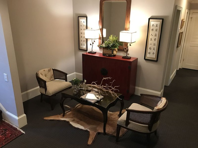 In the heart of the historic district with shopping, dining, museums steps away!, holiday rental in Georgetown