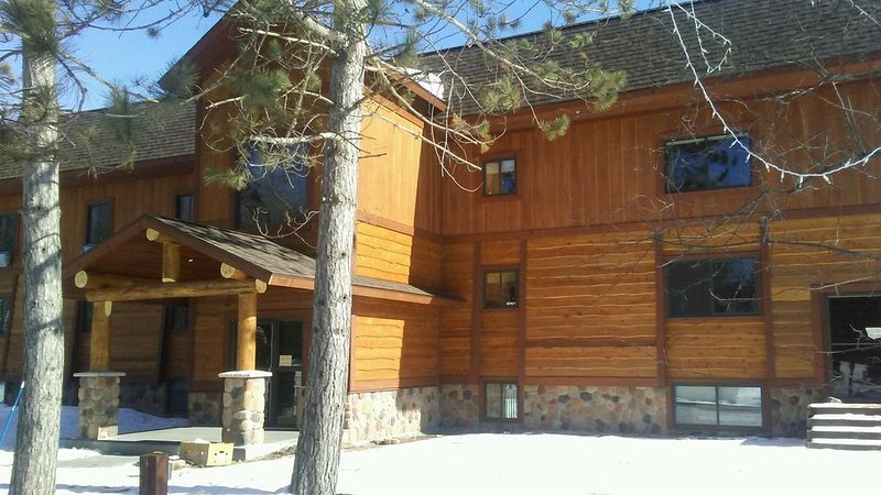 Beautiful 3 Bedroom Condo On Lake Namakagon at Lakewoods Resort, alquiler de vacaciones en Barnes