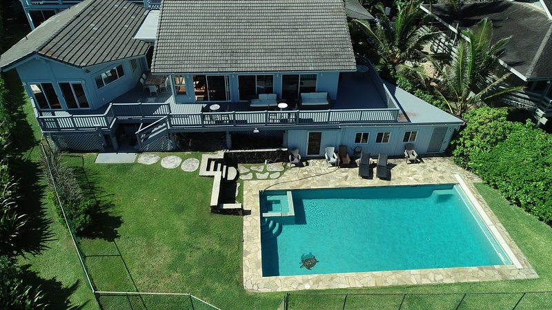 5 Bdr North Shore Oahu Sunset Beachfront Home w/Pool, location de vacances à Sunset Beach