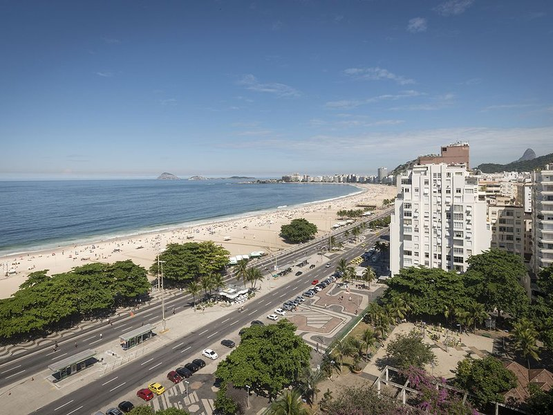 Copacabana Condo With Unsurpassed Views!, alquiler de vacaciones en Río de Janeiro