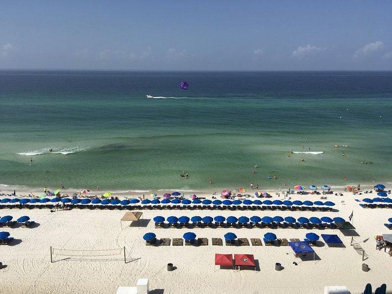 Beachfront 9th Floor Luxury Condo! (Seasonal Beach Chair Service Included!), alquiler de vacaciones en Panama City Beach