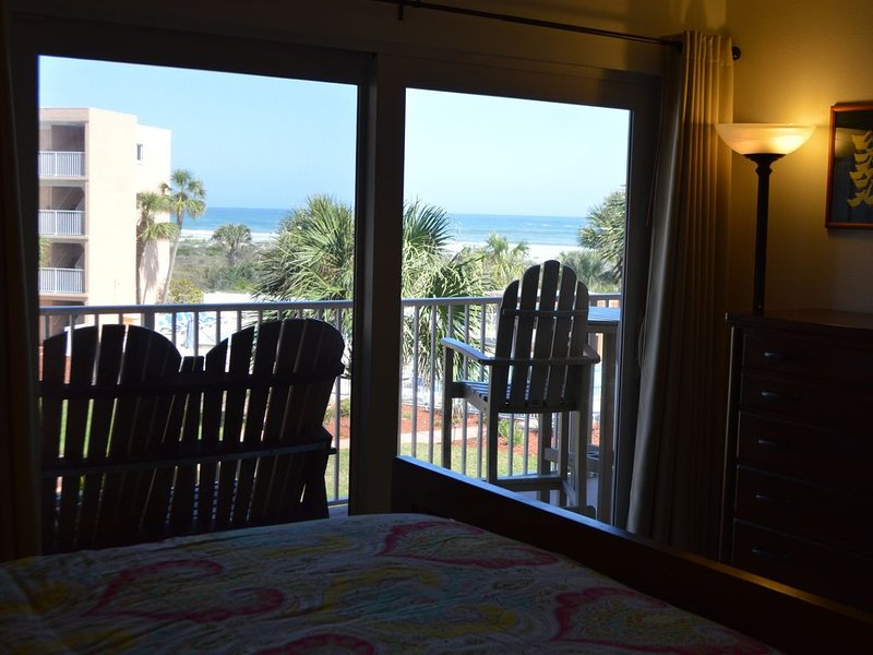Last Wk April or May $750 + fees Clean, Comfy, Views, Convenient, Reviews!, location de vacances à Saint-Augustine