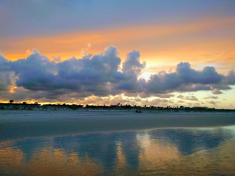 """Man måste fråga sig, """"Varför inte stranden? Varför inte nu? Varför inte här?"""" ;)"""