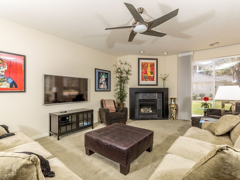 Modern Ground floor Las Palmas Condo - Now with access to Green Valley Resort, vacation rental in St. George