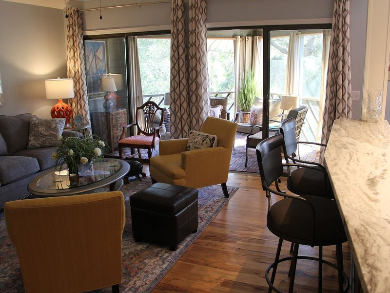 WEEKLY RATES DISCOUNTED!!  Southern Charm in a Tropical Setting  Wi-Fi..., alquiler de vacaciones en Kiawah Island