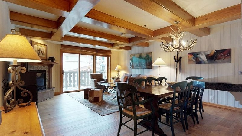 Bridge Street Lodge 3 bedroom ski in/ ski out Vail Village with AC in bedrooms, vacation rental in Vail