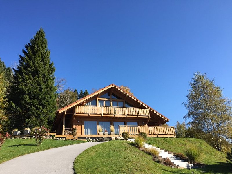 Gerardmer-Xonrupt, Chalet les Pins, south, wifi, sauna, panoramic view, vacation rental in Xonrupt-Longemer