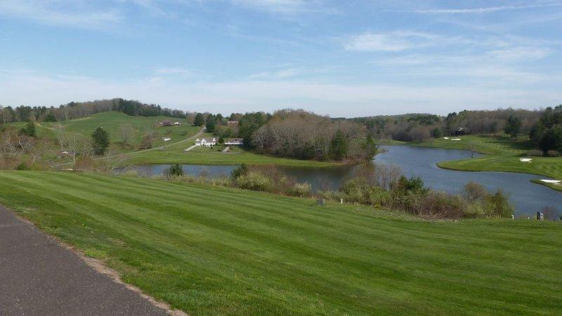 Vacker utsikt på Old Mill Golf Resort. ENDAST 10 MIN. BORT.