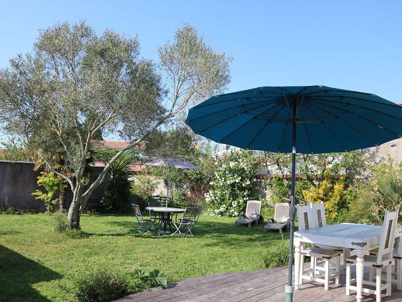 Jolie maison rétaise classée 3* Grand jardin privé au cœur de l'Ile de Ré, alquiler de vacaciones en La Couarde-sur-Mer