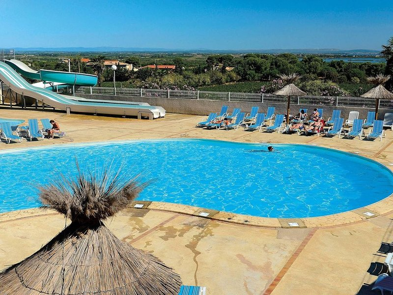 6-8 Persons mobile home in famous surroundings, casa vacanza a Cap-d'Agde