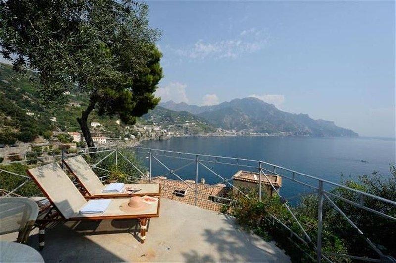 House Oliver with a Breathtaking Sea View on the Amalfi Coast, alquiler de vacaciones en Amalfi