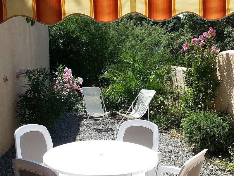SAINTE-MAXIME - Logement avec jardin et veranda  dans domaine Piscine, Tennis, holiday rental in Sainte-Maxime
