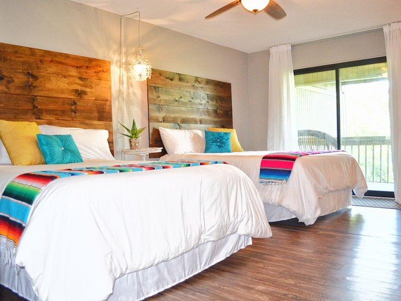 Best Value! DOG FRIENDLY - SUPER CUTE 3 bed /2 bath - POINT VENTURE, casa vacanza a Lago Vista