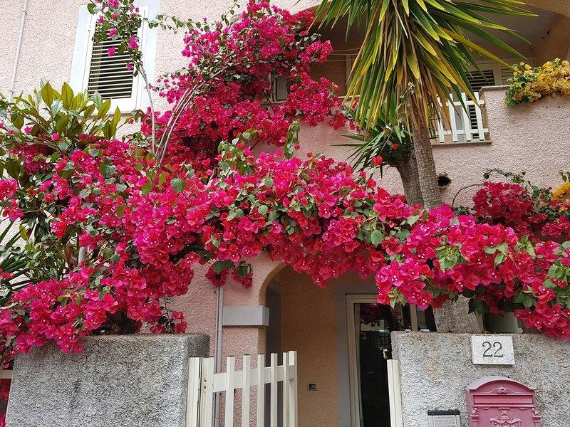 Villetta con giardino, vacation rental in Olbia