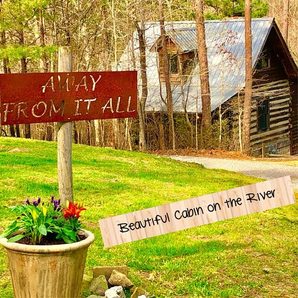 New Listing! 1800's Original Cozy Romantic Cabin For 2 Or The Family, holiday rental in Mentone