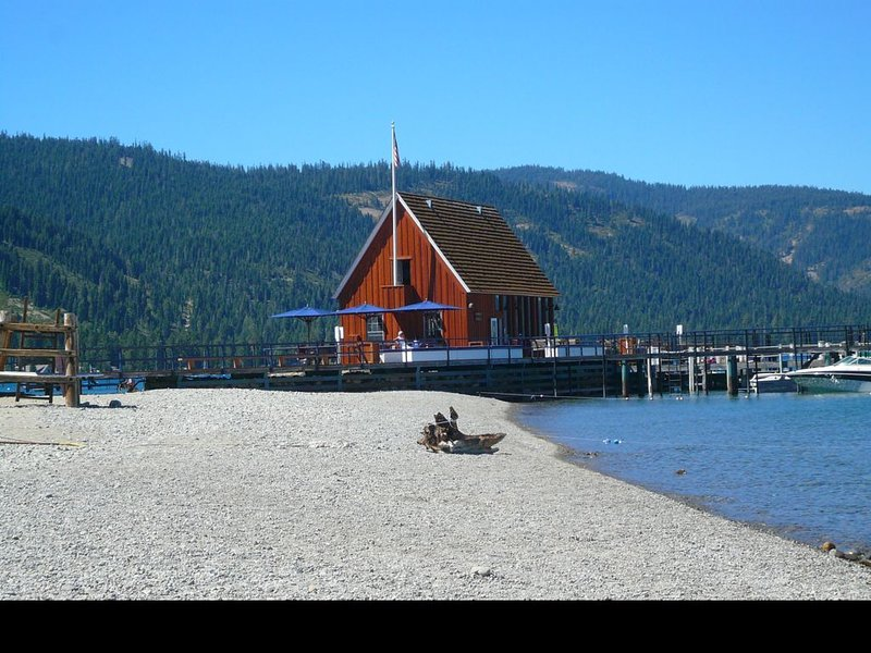Magical Westshore Retreat, vacation rental in Tahoma