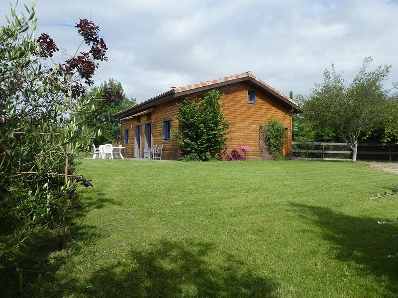 Wooden House near the Grésigne, vacation rental in Tarn