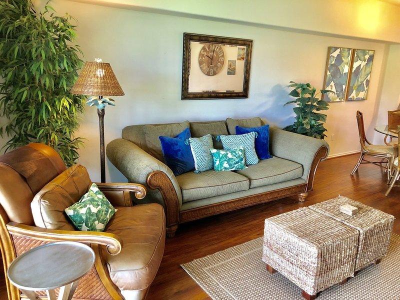 Luxury Villa On Golf Course - Walk to Shops, Restaurants, Beach - Quiet!, vacation rental in Waikoloa