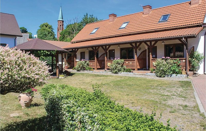 1 bedroom accommodation in Kolczewo, casa vacanza a Wiselka