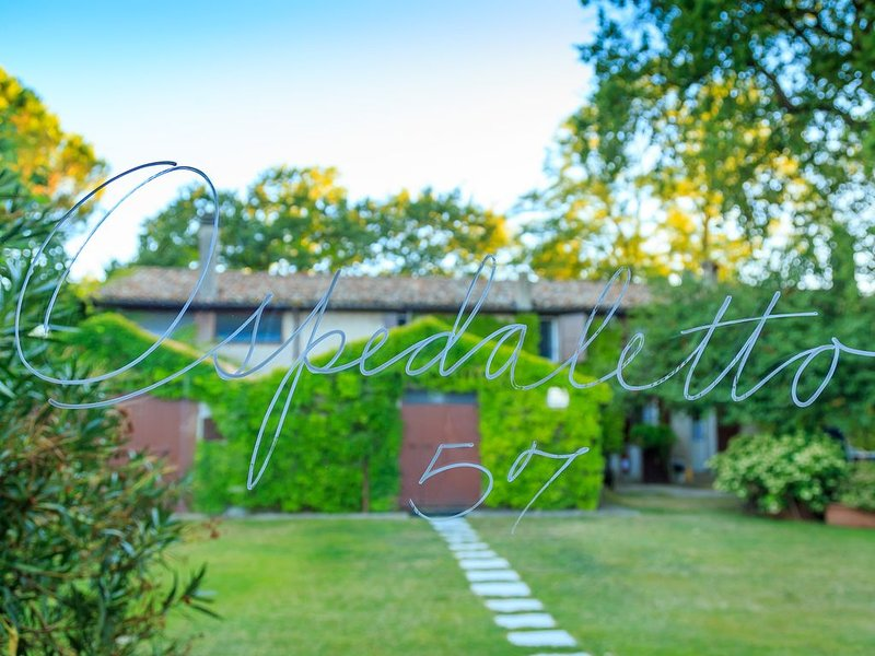 GuestHouse with garden and pool near Faenza, Romagna, vakantiewoning in Province of Ravenna