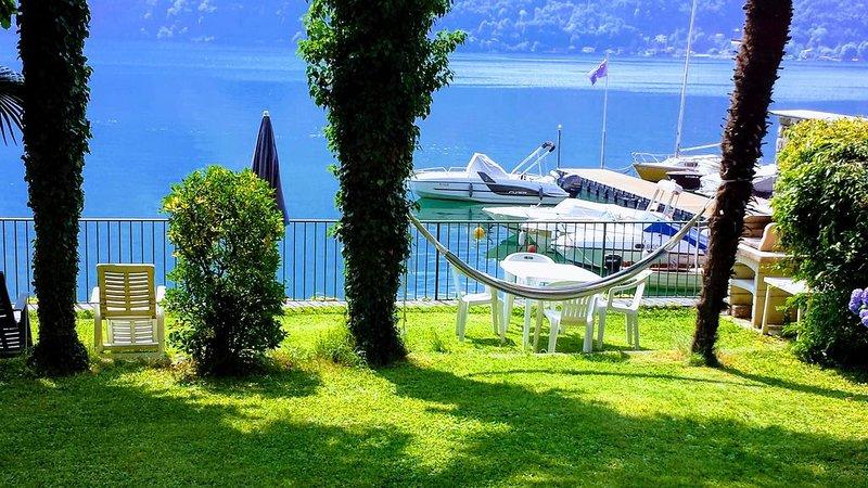 Villetta con giardino  accesso direttamente al lago di Lugano WIFI GRATUITO, holiday rental in Porlezza