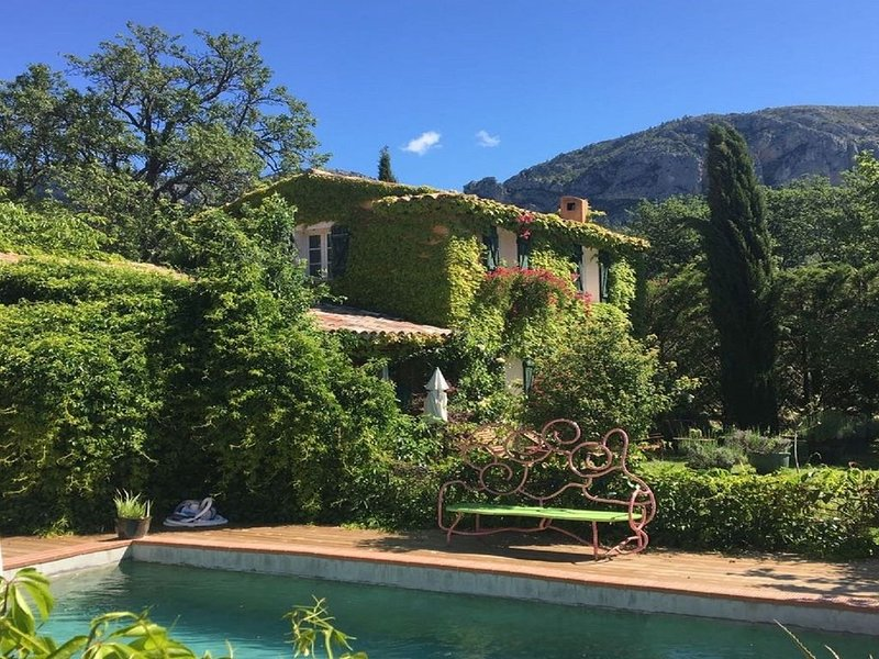 Villa in Moustiers-ste. Marie near to the Canyon du Verdon and Lac de Ste. Croix, alquiler vacacional en Moustiers Sainte-Marie
