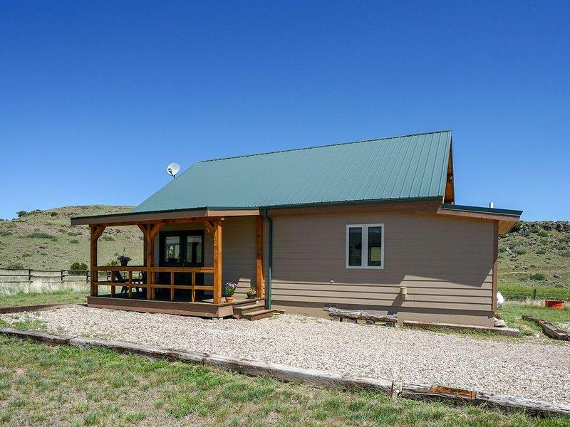Adorable Montana Mountain Cabin, holiday rental in McAllister